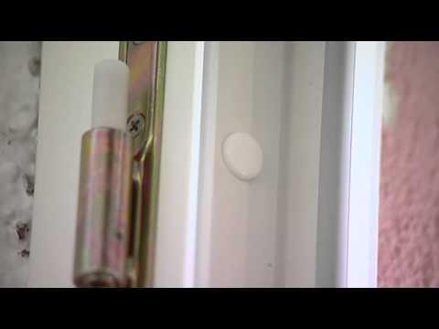 Pose d 39 une porte d 39 entr e tryba en r novation youtube for Pose d une porte d entree en bois
