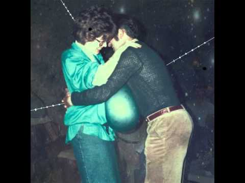 Klaus Johann Grobe - Between The Buttons