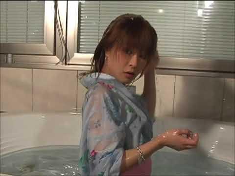 浴衣で入浴~そのまま洗髪シャンプーへYukata bathtub wet look hairwashing shampoo