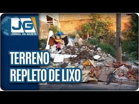 Terreno em Guaianazes está repleto de lixo