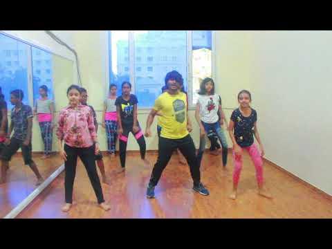 o-saki-saki- -neha-kakkar- -choreography-by-arun-bohit- -dance-performance