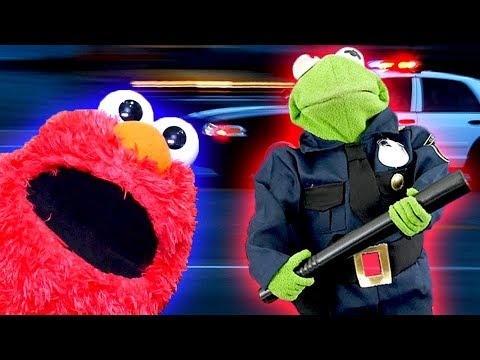 Elmo Helps Kermit The Frog Become A COP!