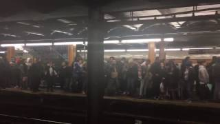 Crowds Fill Subway Platform as Power Outage Causes Delays