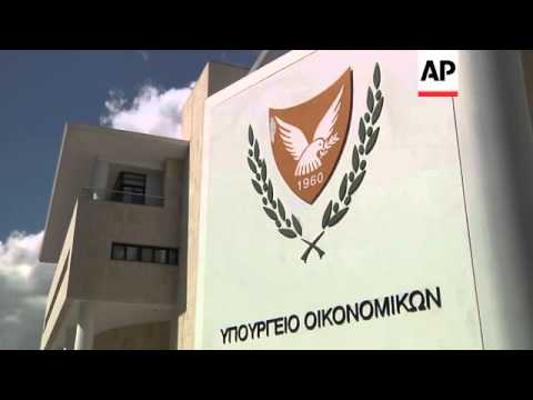 Cypriot officials meet EU/ECB/IMF troika to discuss bailout