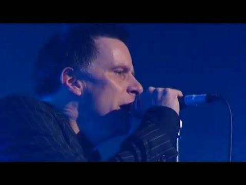 "Deacon Blue ""Dignity"" Live"