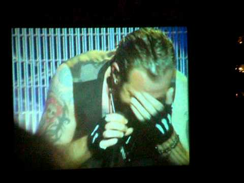 [FANCAM]Uproar Festival 2011 Houston, TX - Three Days Grace-Animal I Have Become