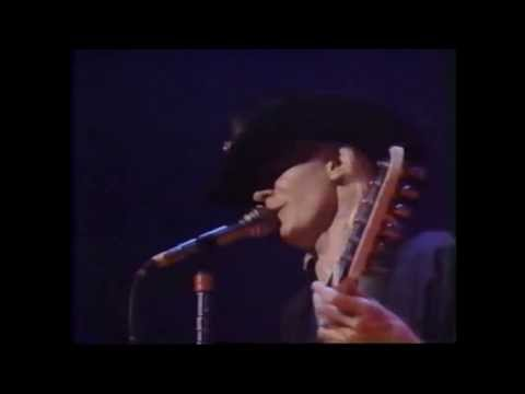 Johnny Winter - Live @ Massey Hall, Toronto 1983! (complete show)