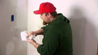 How To Repair Cracked Wall Corners : Walls & Home Repairs