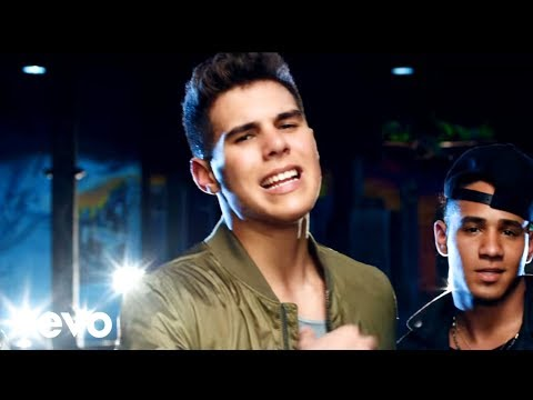 CNCO - Reggaetón Lento (Bailemos)[Official Video] ft. Zion & Lennox