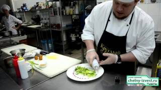 Рецепт салата с жареным сыром, глазированной морковью и клюквой