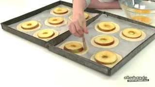 Kijk Hollandse appel-bladerdeegtaartjes filmpje