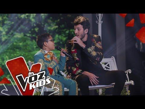 Sebastián Yatra y Leumas cantan Un Año - Final | La Voz Kids Colombia 2019