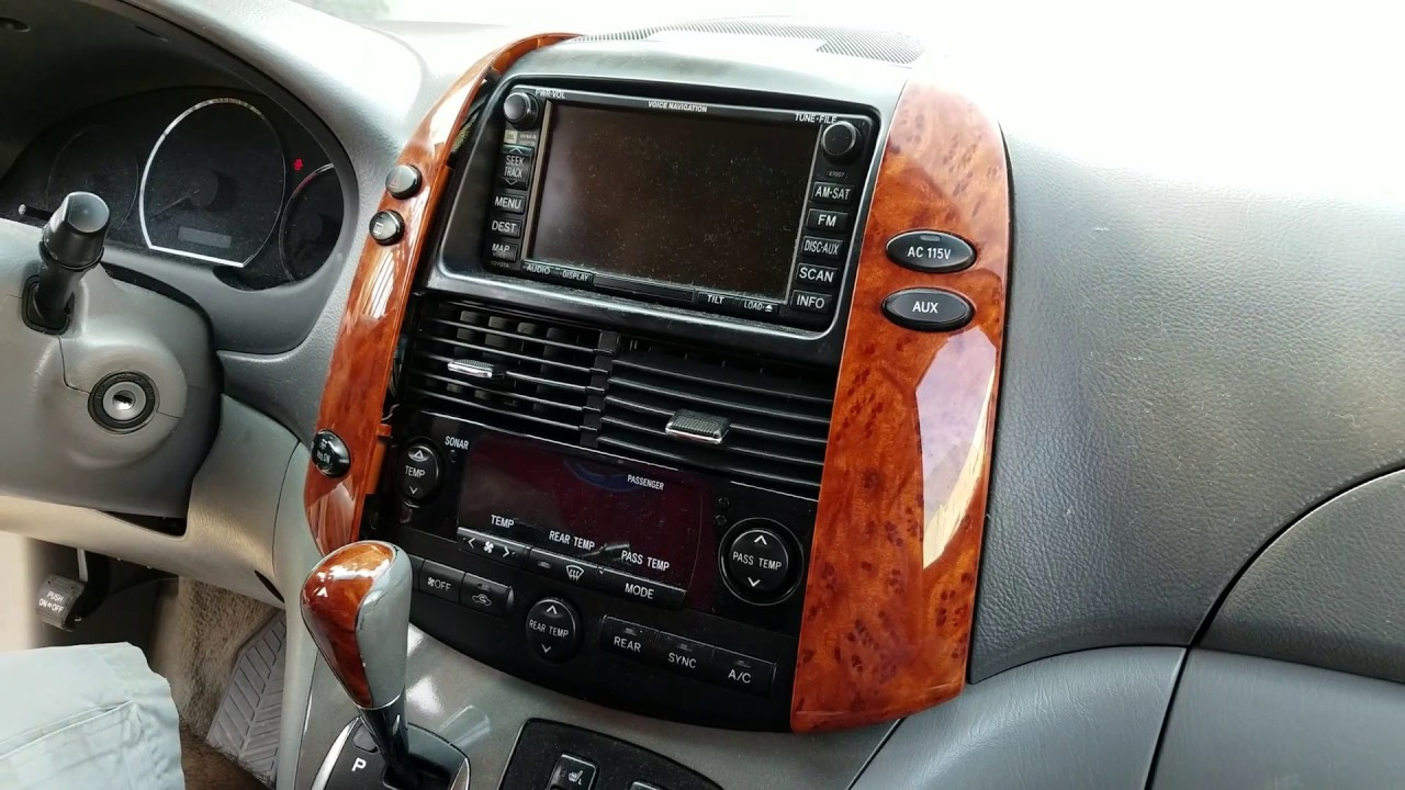 How to Remove Radio / Navigation / E7006 from Toyota Sienna 2006 for Repair