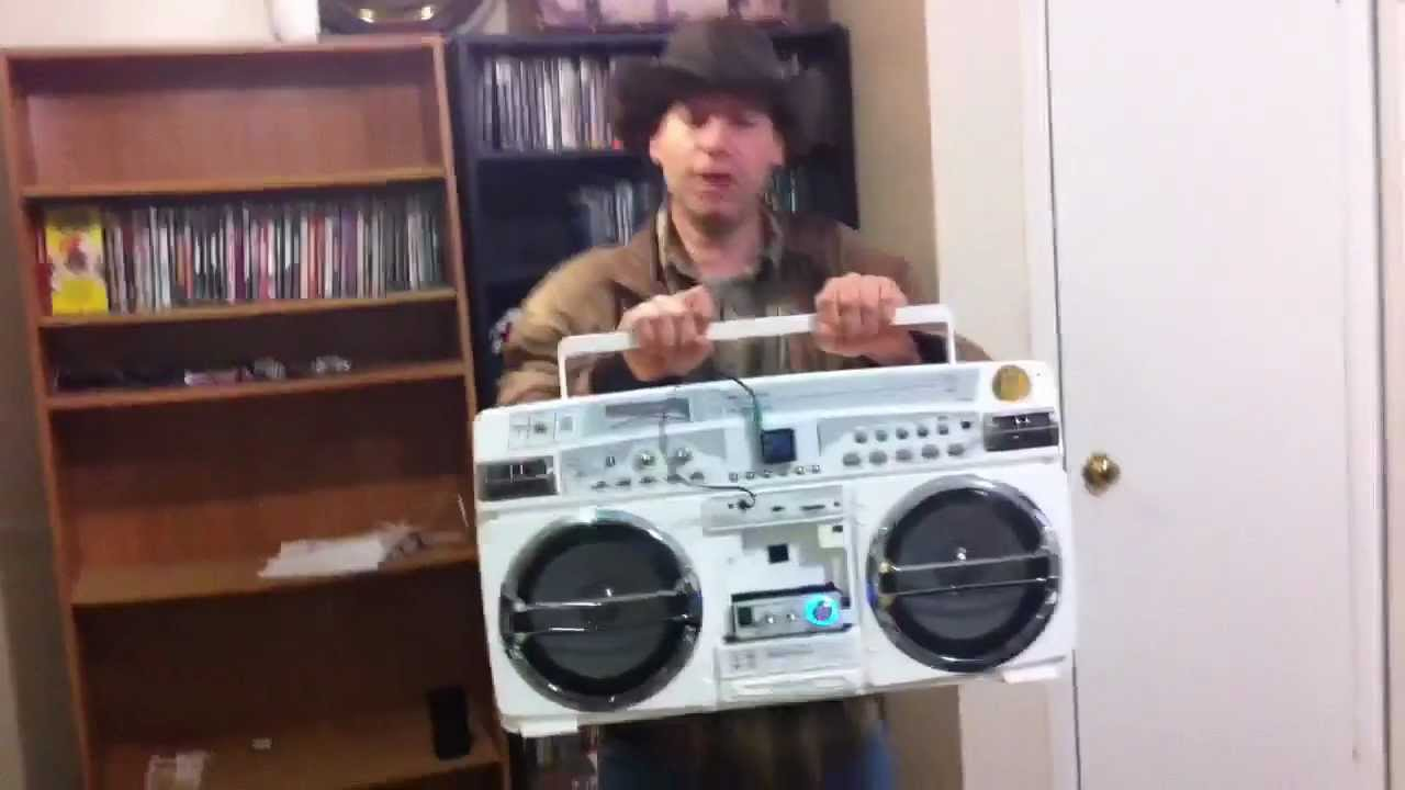 Ghetto box lasonic powered lepai speaker system booms youtube - Lasonic ghetto blaster i931x ...