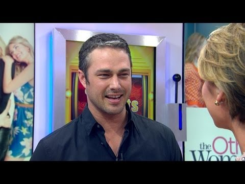 Taylor Kinney Interview 2014: Actor Answers Fan Questions About 'The Other Woman'