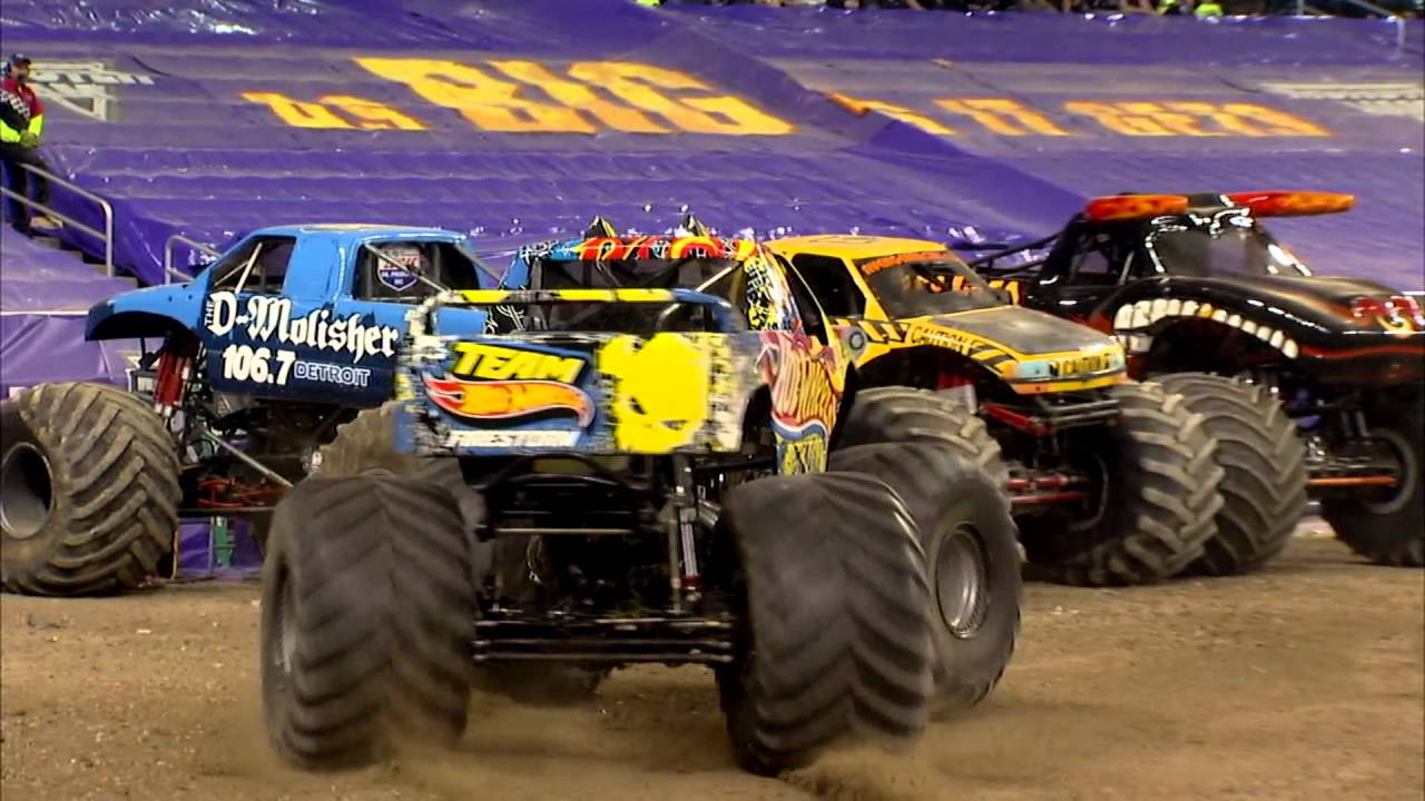 monster jam in ford field detroit mi 2014 full show. Black Bedroom Furniture Sets. Home Design Ideas