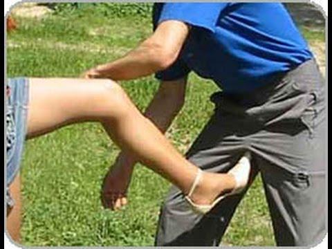 женщины бьют по яйцам мужиков