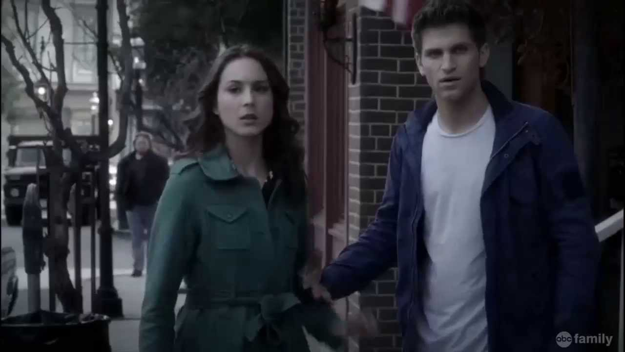 """Download Pretty Little Liars -Ravenswood Funeral - """"Under the Gun""""  4x06"""