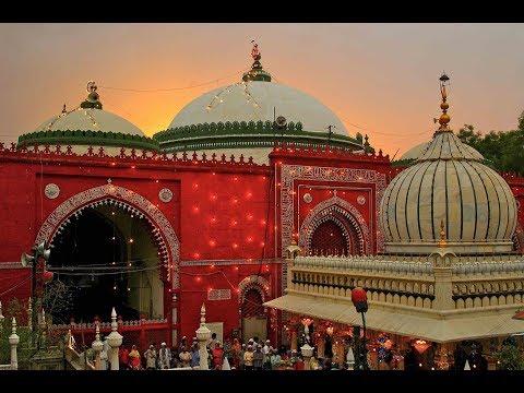 The Sufi Courtyard : Hazrat Nizamuddin Auliya of Delhi