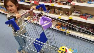 Emily Buying Coloured Toys-FINGER FAMILY Colors Song