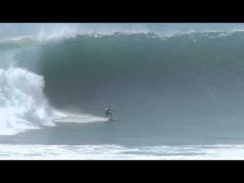 Biggest swell ULUWATU october 2013 slow motion