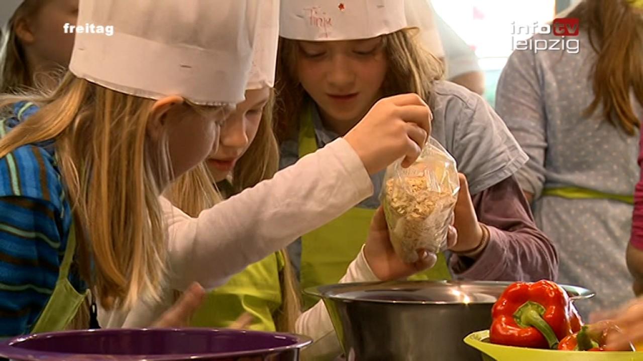 Kinder- und Familien-Kochschule ganz&gar Leipzig - YouTube | {Kochschule für kinder 53}