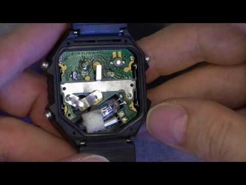 Vintage Hong Kong LCD watch with a mercury switch inside !