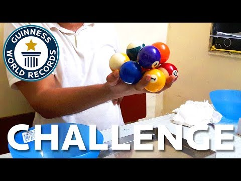 Most Pool Balls Held In One Hand – – Challenge – Guinness World Records