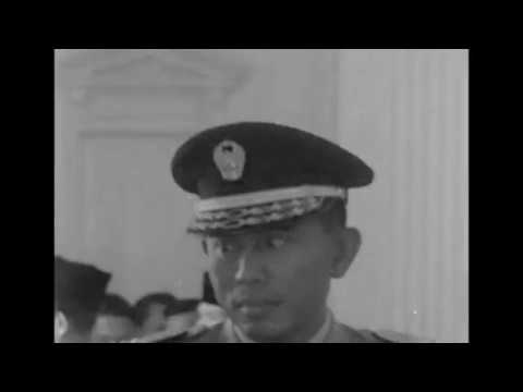 Presiden Sukarno melantik MayJend Kosasih sbg Dubes RI utk Australia thn 1964