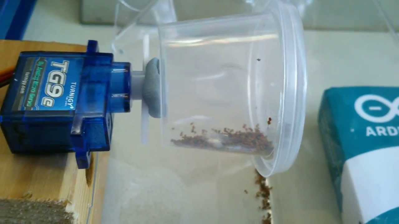 Arduino Powered Automatic Vacation Fish Food Feeder