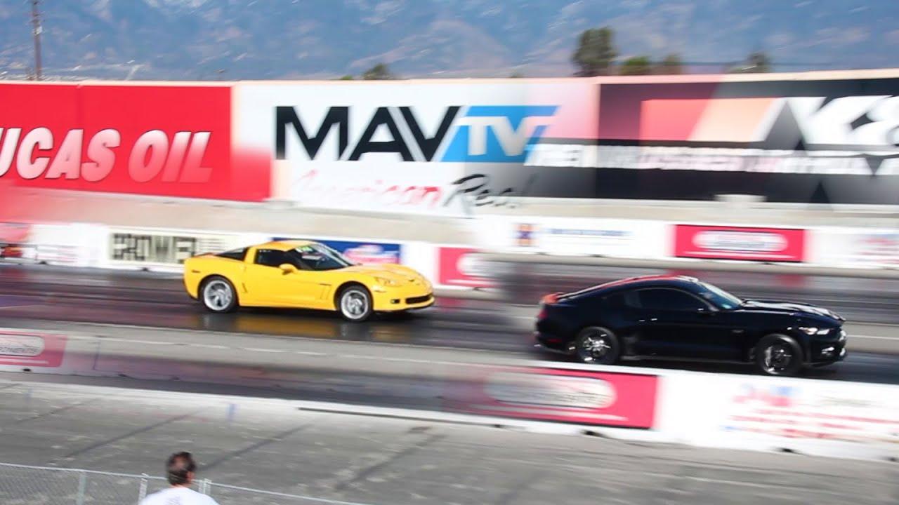 z06 chevy corvette c6 vs 2015 ford mustang gt drag race. Black Bedroom Furniture Sets. Home Design Ideas