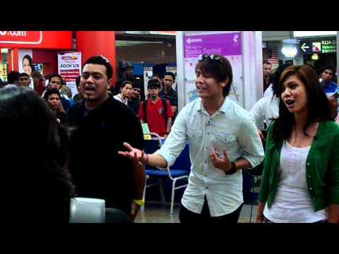 Akim, Nera, Ray & Ira - Bayangan Ilham @ Akustika Raya 2011 (Part 2)