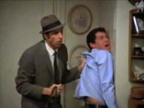 One of the best Kramer scenes from Seinfeld - The Statue