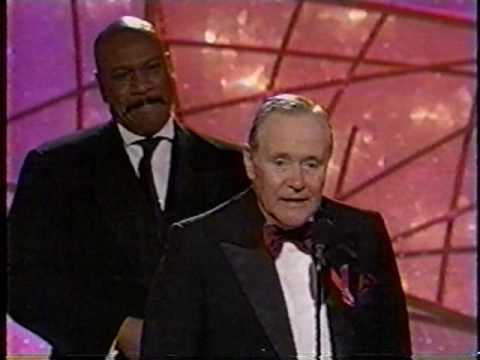 Ving Rhames Gives His Golden Globe To Jack Lemmon 1998