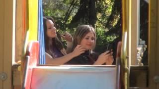 Selfie cu buze de rață în parcul central