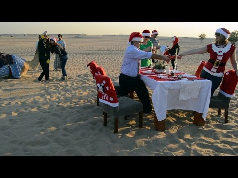 Mannequin Challenge - Christmas in the United Arab Emirates