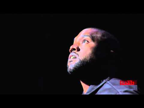 Kanye West Pays Homage To Phife Dawg At The Apollo