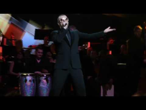 Смотреть клип George Michael - I'M Your Man