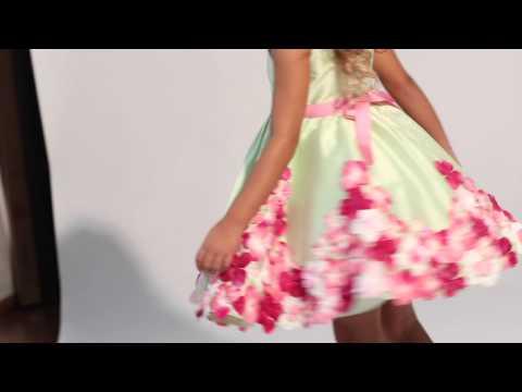 Abito luxury-50th anniversary con shantung e ricami con petali di ortensie