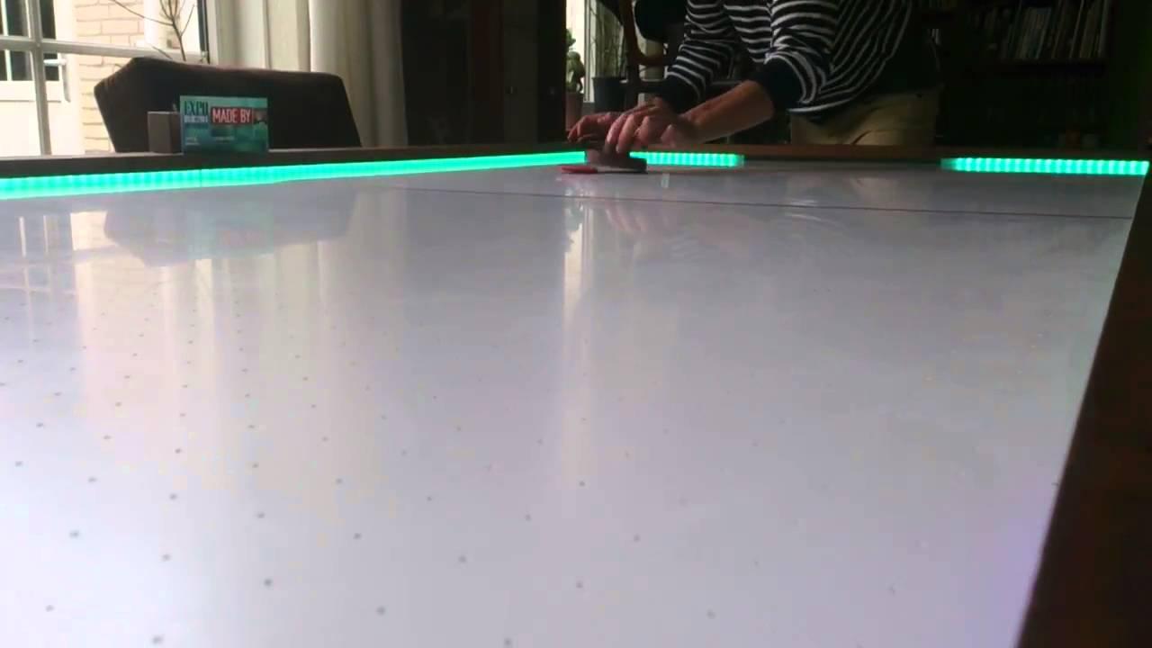 Airhockeytafel in actie youtube