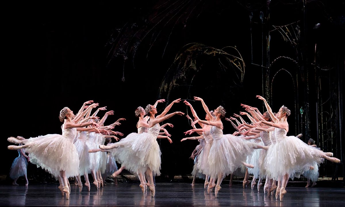 Swan Lake: Corps de Ballet (The Royal Ballet) - YouTube