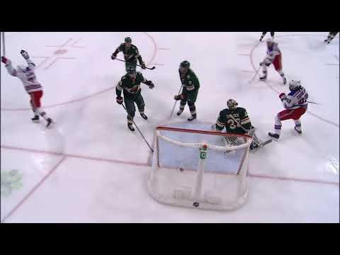 Курьезный гол Рейнджерс с участием Панарина и Бучневича / A Curious Goal The Rangers