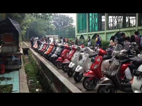 Modern Vespa Jakarta ke Tumplek Blek 2014