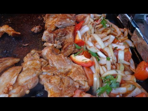Street Food in London, Street Food in Camden Market London, Borough Market