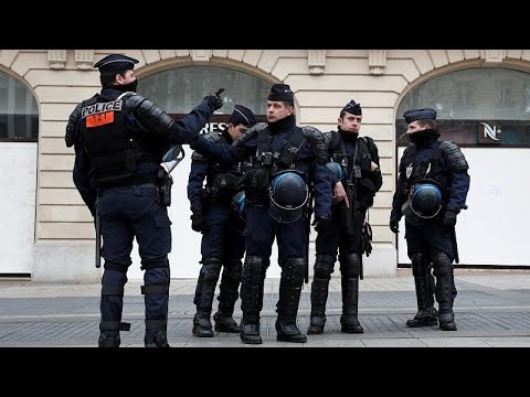 الجيش الفرنسي ينضم إلى الشرطة لمواجهة احتجاجات السترات الصفراء…  - نشر قبل 4 ساعة