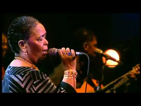 Cesaria Evora Live D amor 2004 Complete Concert 01