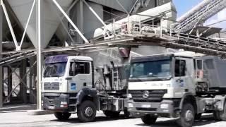 Wie werden eigentlich die LKWs in unserem Steinbruch beladen?