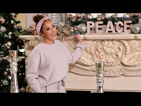 V Gomez - Adrienne Houghton Teaches Us How To Decorate