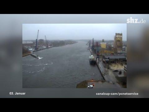 Nord-Ostsee-Kanal Bergung nach Schiffskollision 16. April 2011 -Kiel - Rendsburgиз YouTube · Длительность: 3 мин1 с