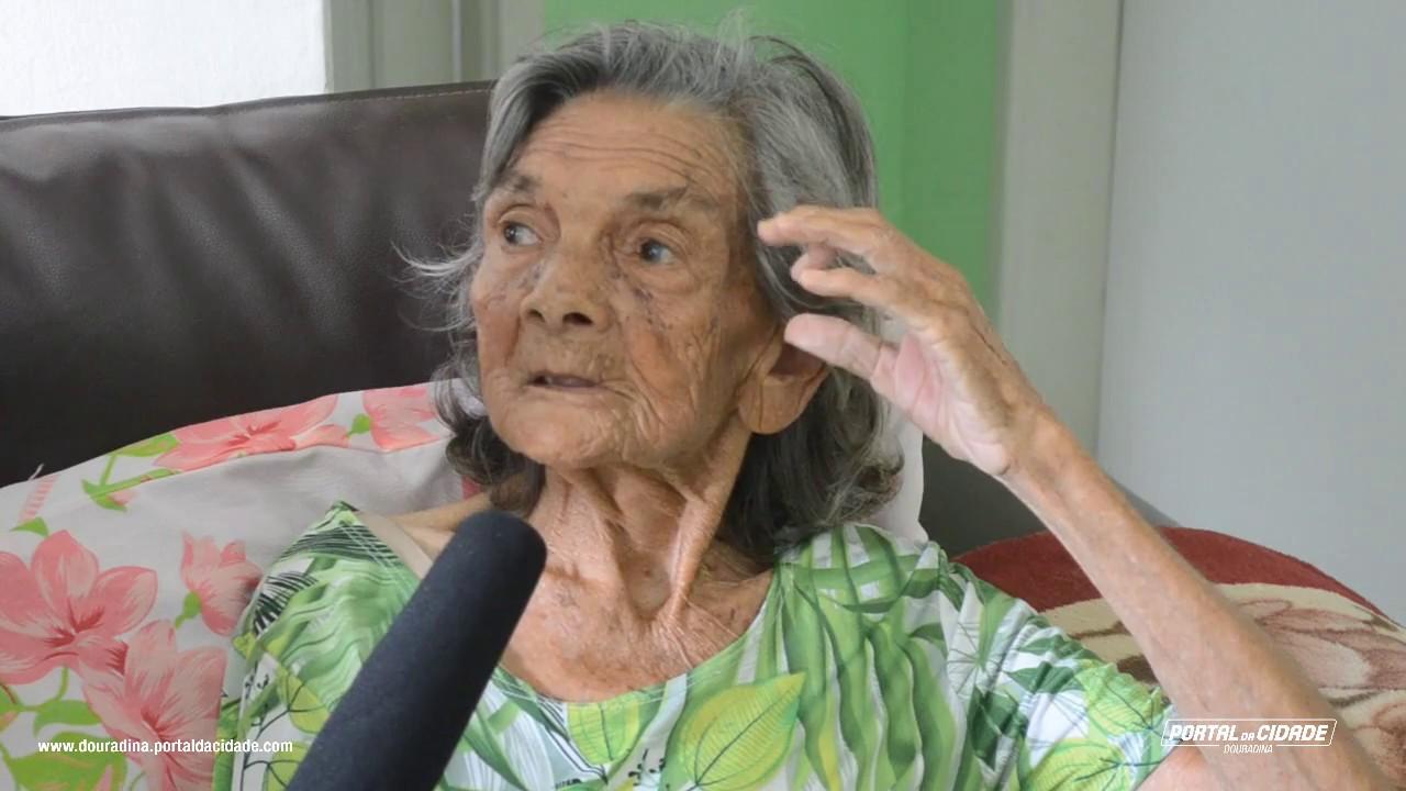 Dona Filó completa 120 anos e é uma das mulheres mais velhas do mundo